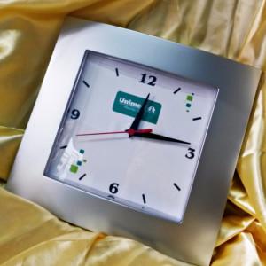Relógios de parede personalizados Unimed