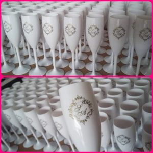 tacas-de-acrilico-personalizadas-para-noivado