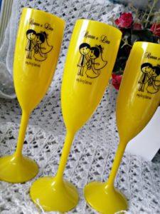 Taças de Acrilico amarela Personalizadas